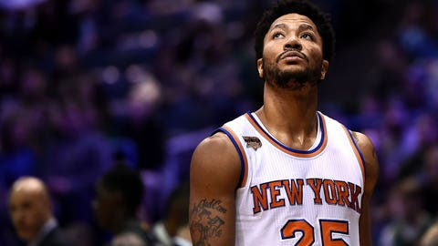 Knicks star Rose out for rest of NBA season after knee injury