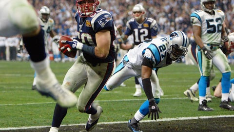 Patriots take the lead over the Panthers in the fourth quarter on a 1-yard Mike Vrabel TD (XXXVIII vs. Panthers)