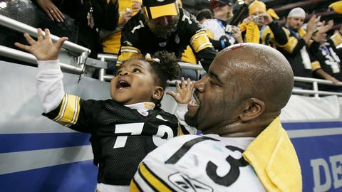 Kendall Simmons and daughter Celesta (Super Bowl XL)