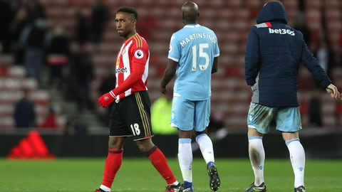 Seriously, someone help Jermain Defoe out