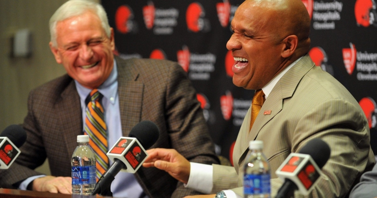 Jimmy-haslam-hue-jackson-nfl-cleveland-browns-press-conference.vresize.1200.630.high.0