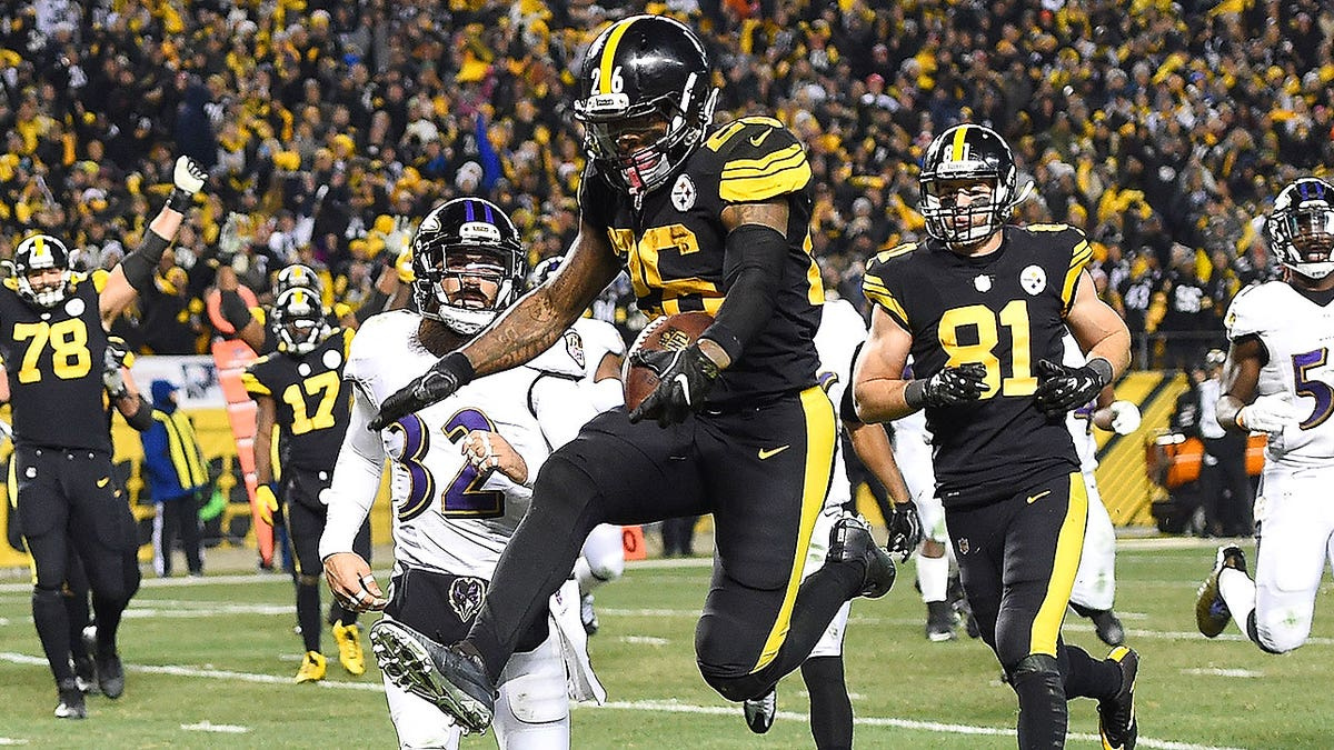 Leveon-bell-pittsburgh-steelers-fantasy-football-2017-player-rankings.vresize.1200.675.high.0