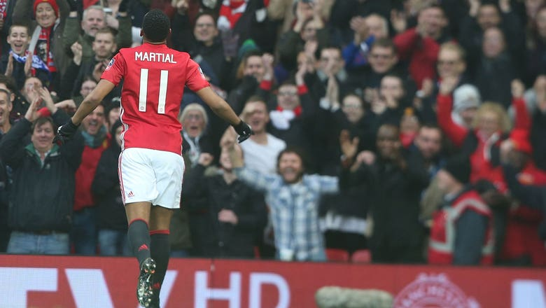 Martial doubles Man United's lead against Reading | 2016-17 FA Cup Highlights