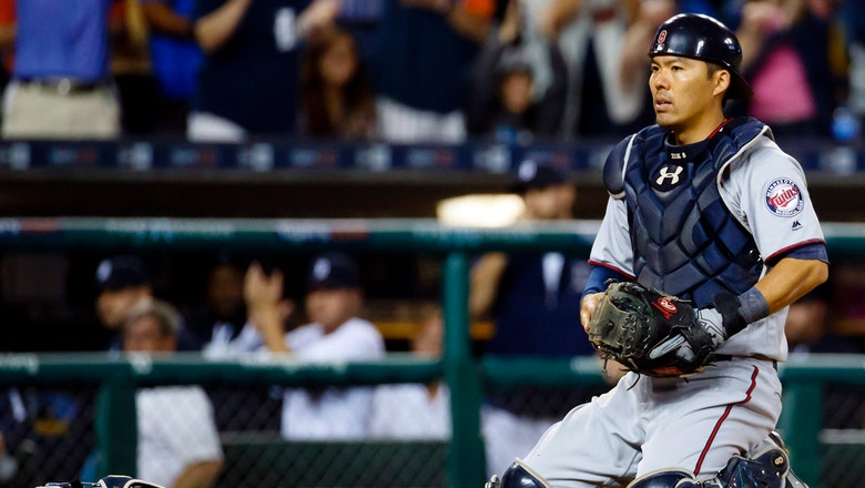 Reports: Braves add catching help by signing Kurt Suzuki to 1-year deal