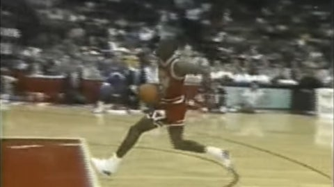Jordan breaks out an iconic dunk (in the second round)