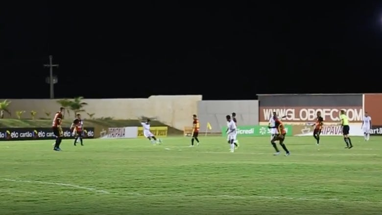 Watch this outrageous Fluminese goal from the other side of midfield