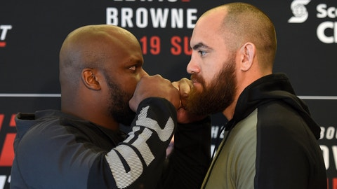 Derrick Lewis says his foot is broken following latest win