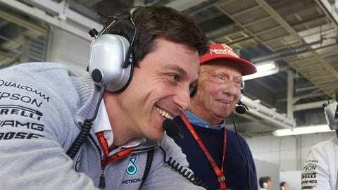 (From left) Toto Wolff and Niki Lauda will remain with the Mercedes F1 team through 2020. (Photo: Steve Etherington/LAT Photographic)
