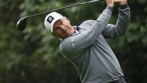 Fred Couples having one more run
