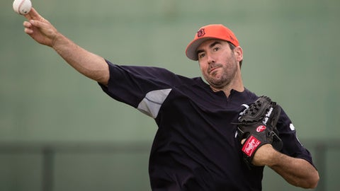 Detroit Tigers pitcher Justin Verlander throws during a spring training baseball workout Wednesday, Feb. 15, 2017, in Lakeland, Fla. (AP Photo/Matt Rourke)