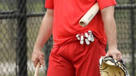 Washington Nationals second baseman Daniel Murphy makes his way to a practice field for a spring training baseball workout Thursday, Feb. 16, 2017, in West Palm Beach, Fla. (AP Photo/David J. Phillip)