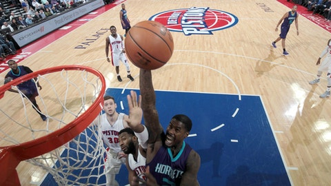 AUBURN HILLS, MI - FEBRUARY 23: Marvin Williams #2 of the Charlotte Hornets shoots the ball against the Detroit Pistons on February 23, 2017 at The Palace of Auburn Hills in Auburn Hills, Michigan. NOTE TO USER: User expressly acknowledges and agrees that, by downloading and/or using this photograph, User is consenting to the terms and conditions of the Getty Images License Agreement. Mandatory Copyright Notice: Copyright 2017 NBAE (Photo by Brian Sevald/NBAE via Getty Images)