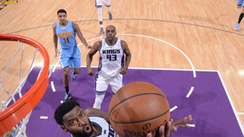 SACRAMENTO, CA - FEBRUARY 23:  Tyreke Evans #32 of the Sacramento Kings goes up for a lay up during a game against the Denver Nuggets on February 23, 2017 at Golden 1 Center in Sacramento, California. NOTE TO USER: User expressly acknowledges and agrees that, by downloading and/or using this photograph, user is consenting to the terms and conditions of the Getty Images License Agreement. Mandatory Copyright Notice: Copyright 2017 NBAE (Photo by Rocky Widner/NBAE via Getty Images)