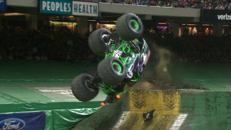 Grave Digger Wins New Orleans Freestyle | 2017 MONSTER JAM