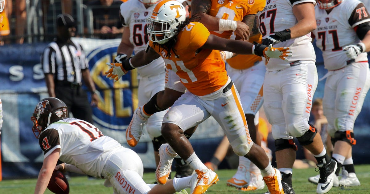 8783160-ncaa-football-bowling-green-at-tennessee.vresize.1200.630.high.0