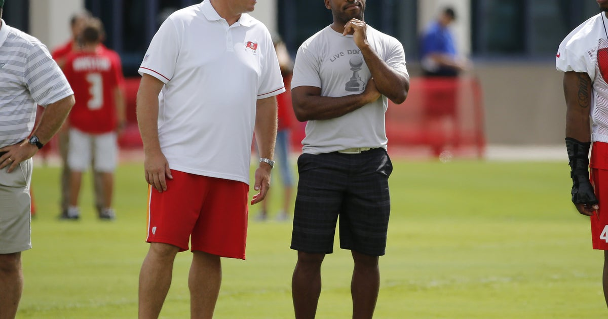 9412223-nfl-tampa-bay-buccaneers-training-camp.vresize.1200.630.high.0