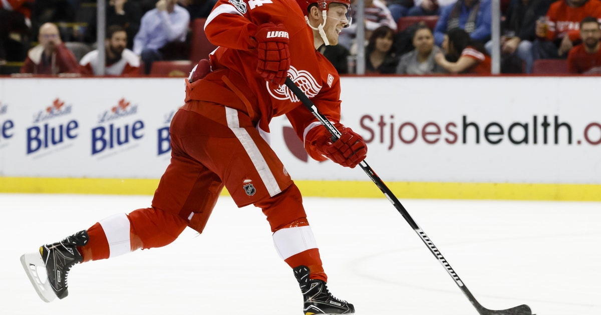 9855985-nhl-new-york-islanders-at-detroit-red-wings.vresize.1200.630.high.0