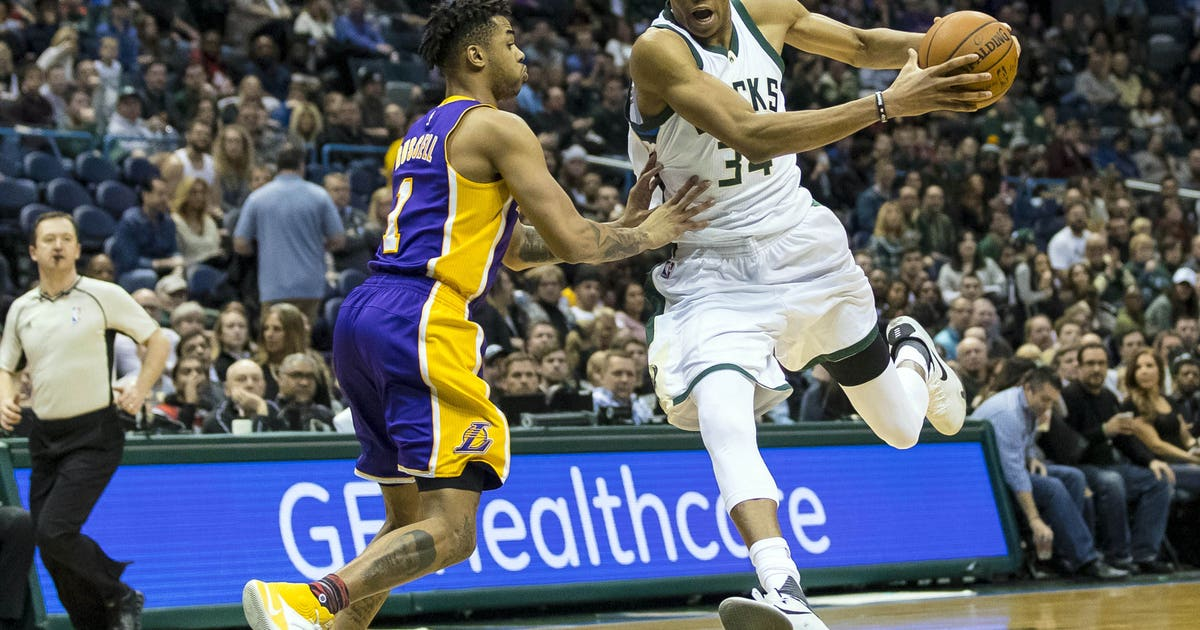 9870435-nba-los-angeles-lakers-at-milwaukee-bucks-1.vresize.1200.630.high.0