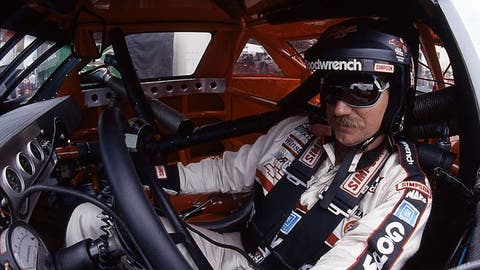 Dale Earnhardt rallies back from wreck