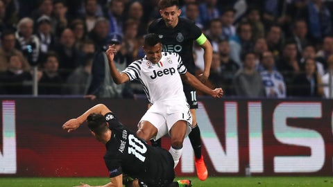 Alex Sandro is the complete fullback