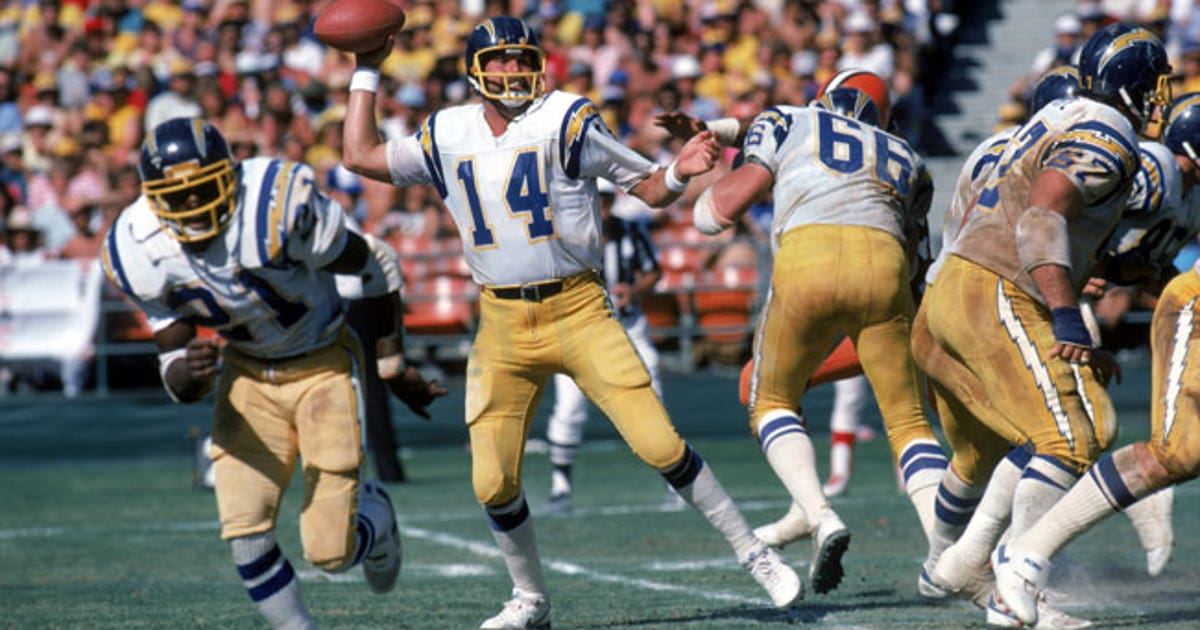 Hall-of-fame-qb-dan-fouts.vresize.1200.630.high.0