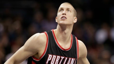 Blazers trade Mason Plumlee to Nuggets