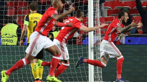 Benfica's old heads came up huge