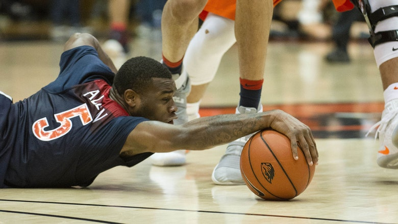 Trier leads No. 5 Wildcats past Oregon St. with big second half