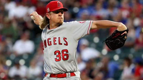 Padres sign Jered Weaver to 1-year, $3 million deal
