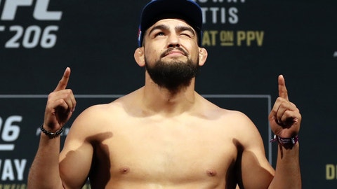 Kelvin Gastelum: GSP's Immediate Title Shot Doesn't Make Sense
