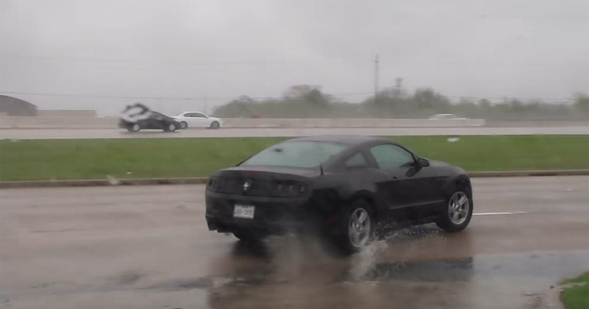 Ford Mustang spins into Lamborghini dealership