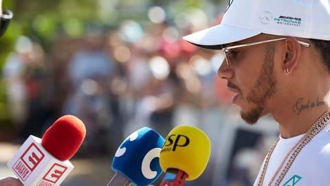 Lewis Hamilton speaks to the press ahead of the Australian GP. (Photo: Steve Etherington/LAT Images)
