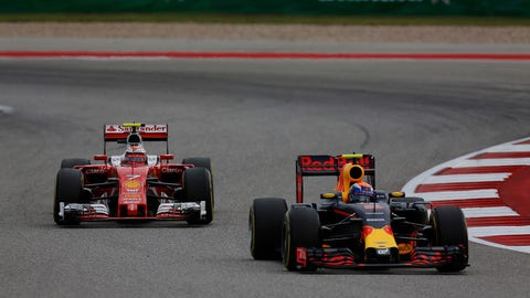 Max Verstappen and Kimi Raikkonen battle on track during the 2016 United States GP. (Photo: Sam Bloxham/LAT Photographic)