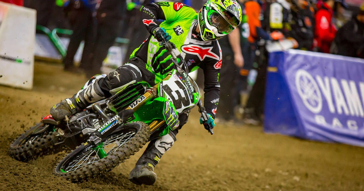 Eli Tomac goes four in a row with win in Detroit | FOX Sports