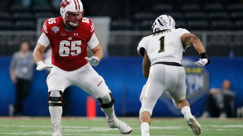 Tampa Bay Buccaneers: Ryan Ramczyk, OT, Wisconsin