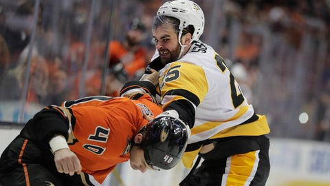 Anaheim Ducks' Jared Boll and Pittsburgh Penguins' Tom Sestito fight during the second period of an NHL hockey game Wednesday, Nov. 2, 2016, in Anaheim, Calif. (AP Photo/Jae C. Hong)