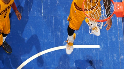 ORLANDO, FL - MARCH 11: LeBron James #23 of the Cleveland Cavaliers dunks against the Orlando Magic during the game on March 11, 2017 at Amway Center in Orlando, Florida. NOTE TO USER: User expressly acknowledges and agrees that, by downloading and or using this photograph, User is consenting to the terms and conditions of the Getty Images License Agreement. Mandatory Copyright Notice: Copyright 2017 NBAE (Photo by Fernando Medina/NBAE via Getty Images)