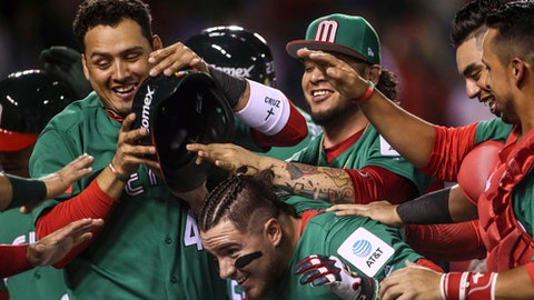 Puerto Rico catcher rips Major League Baseball  over Mexico security