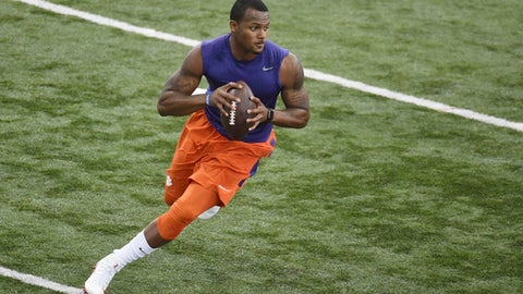40-yard dash times vary for Mike Williams at Clemson pro day