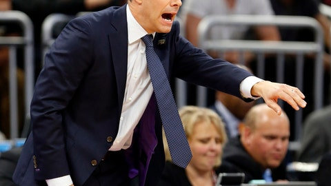 Virginia coach Tony Bennett gestures to his team during the first half against Florida, in the second round of the NCAA men's college basketball tournament Saturday, March 18, 2017, in Orlando, Fla. (AP Photo/Wilfredo Lee)