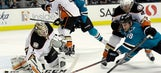 Ducks close in on Sharks in division race with 2-1 victory (Mar 18, 2017)