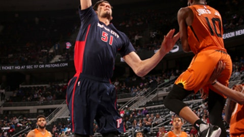 AUBURN HILLS, MI - MARCH 19:  Boban Marjanovic #51 of the Detroit Pistons goes to the basket against the Phoenix Suns on March 19, 2017 at The Palace of Auburn Hills in Auburn Hills, Michigan. NOTE TO USER: User expressly acknowledges and agrees that, by downloading and/or using this photograph, User is consenting to the terms and conditions of the Getty Images License Agreement. Mandatory Copyright Notice: Copyright 2017 NBAE (Photo by Brian Sevald/NBAE via Getty Images)
