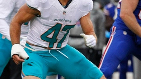 Miami Dolphins middle linebacker Kiko Alonso (47) plays during the first half of an NFL football game against the Buffalo Bills Saturday, Dec. 24, 2016, in Orchard Park, N.Y. (AP Photo/Bill Wippert)