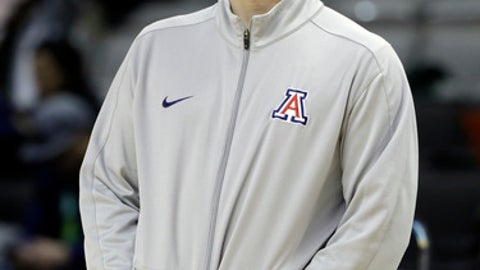 Arizona coach Sean Miller watch his team during practice Wednesday, March 22, 2017, in San Jose, Calif.,  in preparation for an NCAA men's college basketball tournament West Regional semifinal against Xavier on Thursday. (AP Photo/Marcio Jose Sanchez)