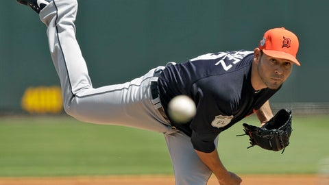 Detroit Tigers' Anibal Sanchez pitches to the Pittsburgh Pirates during the first inning of a spring training baseball game Saturday, March 25, 2017, in Bradenton, Fla. (AP Photo/Chris O'Meara)