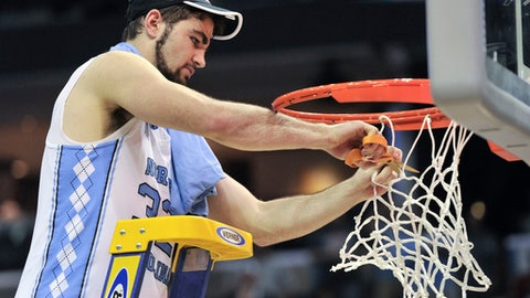 March Madness: North Carolina edges Kentucky on last-second shot