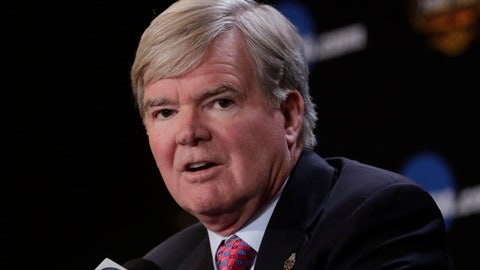 NCAA President Mark Emmert answers a question at a news conference Thursday, March 30, 2017, in Glendale, Ariz. (AP Photo/Matt York)