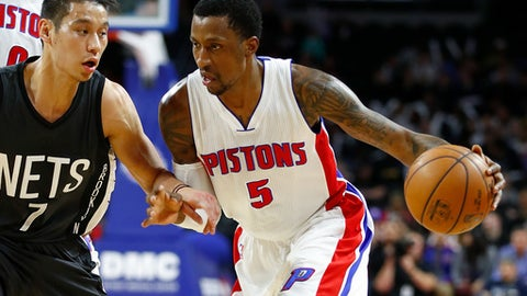 AUBURN HILLS, MI - MARCH 30: Kentavious Caldwell-Pope #5 of the Detroit Pistons drives around Jeremy Lin #7 of the Brooklyn Nets during the first half at the Palace of Auburn Hills on March 30, 2017 in Auburn Hills, Michigan. NOTE TO USER: User expressly acknowledges and agrees that, by downloading and or using this photograph, User is consenting to the terms and conditions of the Getty Images License Agreement.  (Photo by Gregory Shamus/Getty Images)