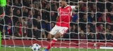 Theo Walcott scores the opener vs. Bayern Munich | 2016-17 UEFA Champions League Highlights