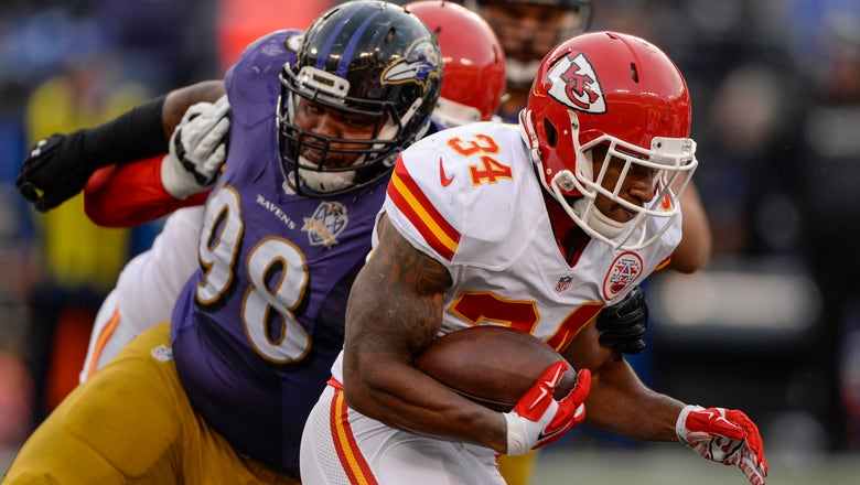 Pittsburgh Steelers: Knile Davis Is Needed Insurance At Running Back